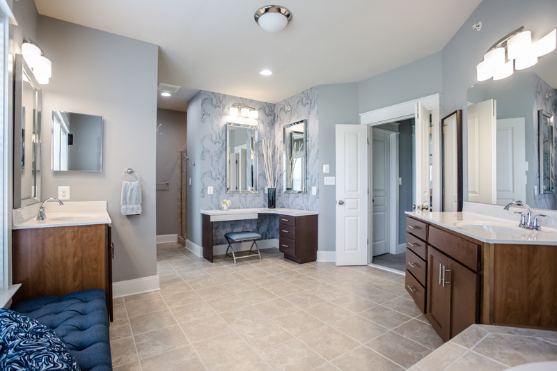Real Estate Photography, blue bathroom