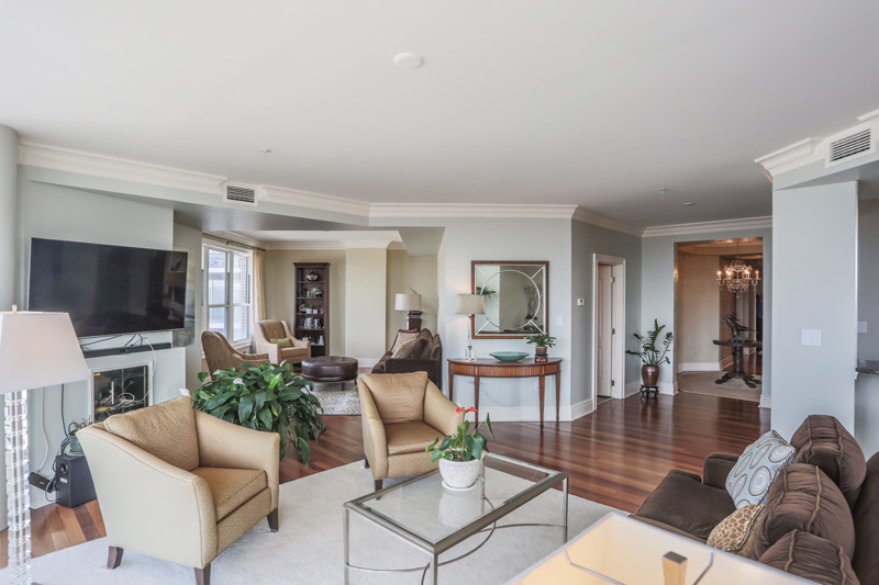 Real Estate Photography, livingroom area of house